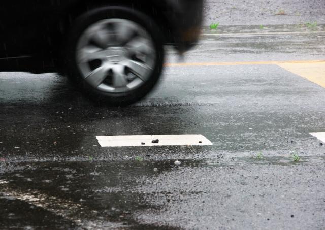 雨の日の運転について